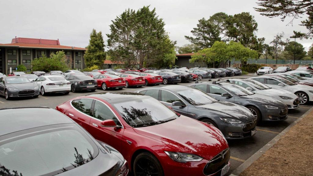 Tesla-Parking-Lot-2014-1920x1080