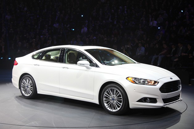 00-2013-ford-fusion-detroit-2012-opt.jpg
