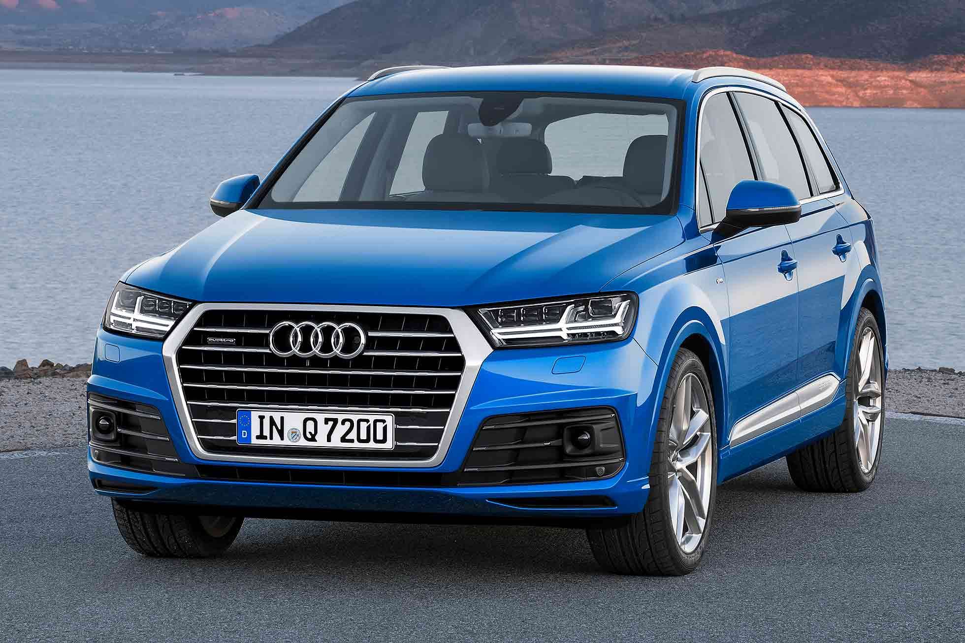 01_Audi_Q7_2015.jpg