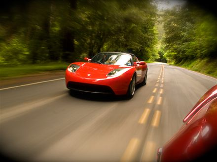 0906_02_z+2009_tesla_roadster+front_three_quarters_view.jpg