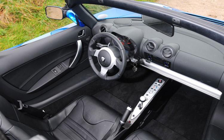 112_0810_07z+2009_tesla_roadster+interior.jpg