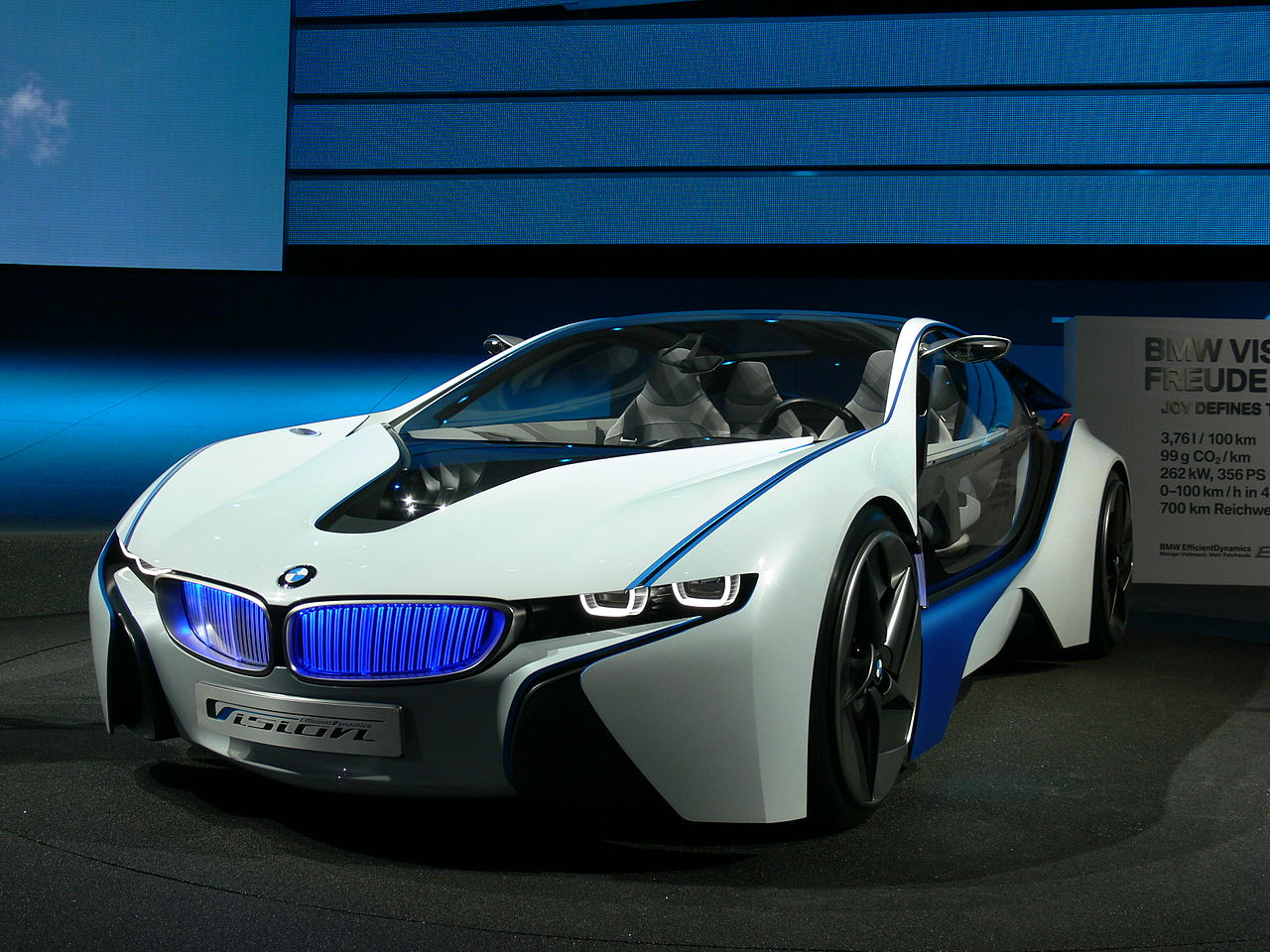 1280px-BMW_Concept_Vision_Efficient_Dynamics_Front.JPG