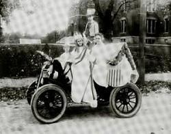 1915parade.jpg