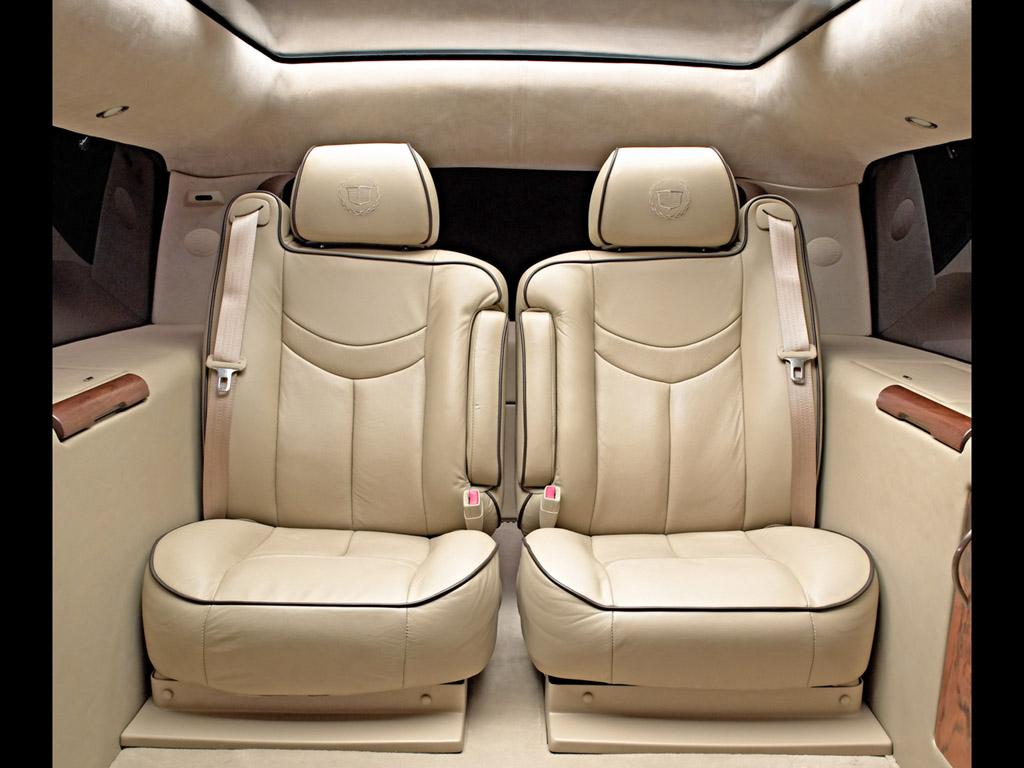 2003-Cadillac-Escalade-ESV-Executive-Edition-Rear-Seats-1024x768.jpg