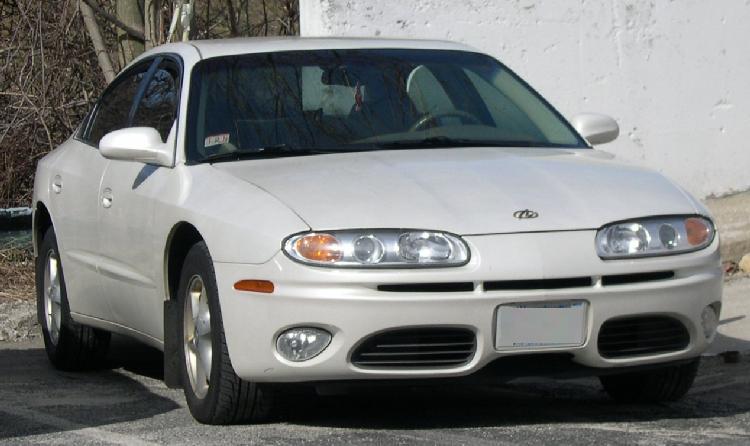 2003_Oldsmobile_Aurora.jpg