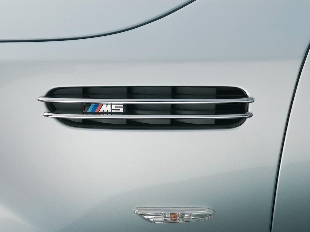 2008-BMW-M5-Touring-Vent-1024x768.jpg