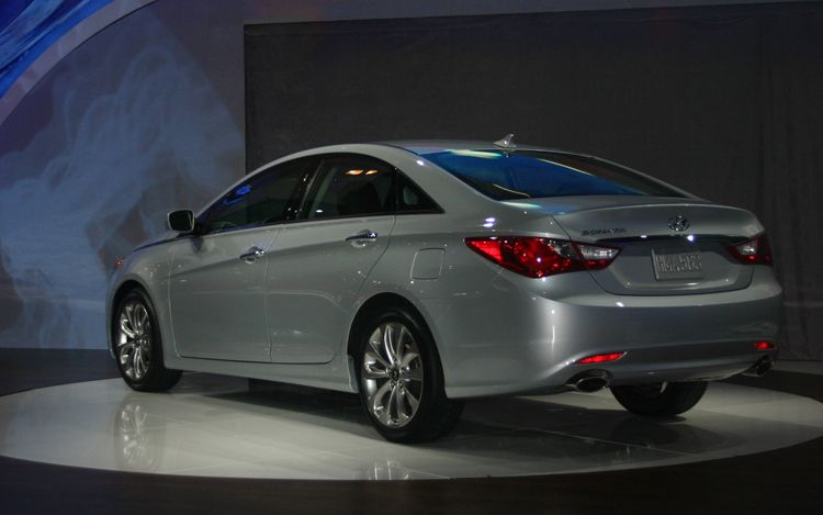 2011-hyundai-sonata-silver-rear-three-quarter-1.jpg