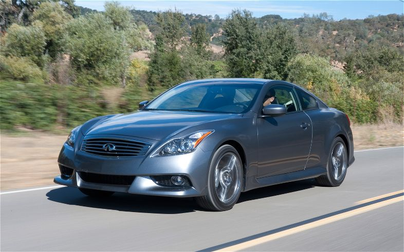 2012-Infiniti-G37-IPL-front-three-quarters-in-motion.jpg