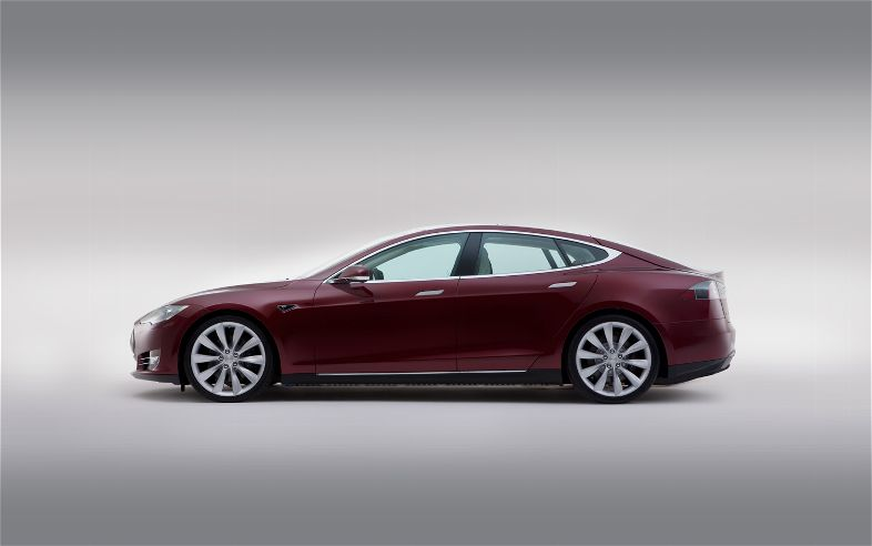 2012-Tesla-Model-S-left-side.jpg