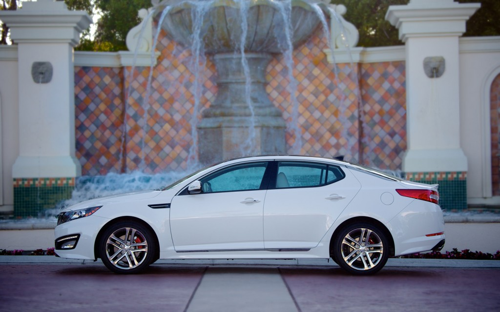 2013-Kia-Optima-side-view-1024x640.jpg