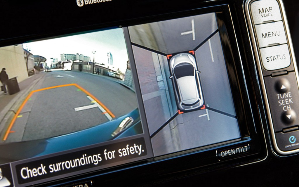 2013-Nissan-Leaf-around-view-monitor-1024x640.jpg
