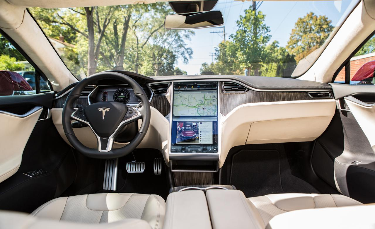 2013-tesla-model-s-interior-photo-498135-s-1280x782.jpg