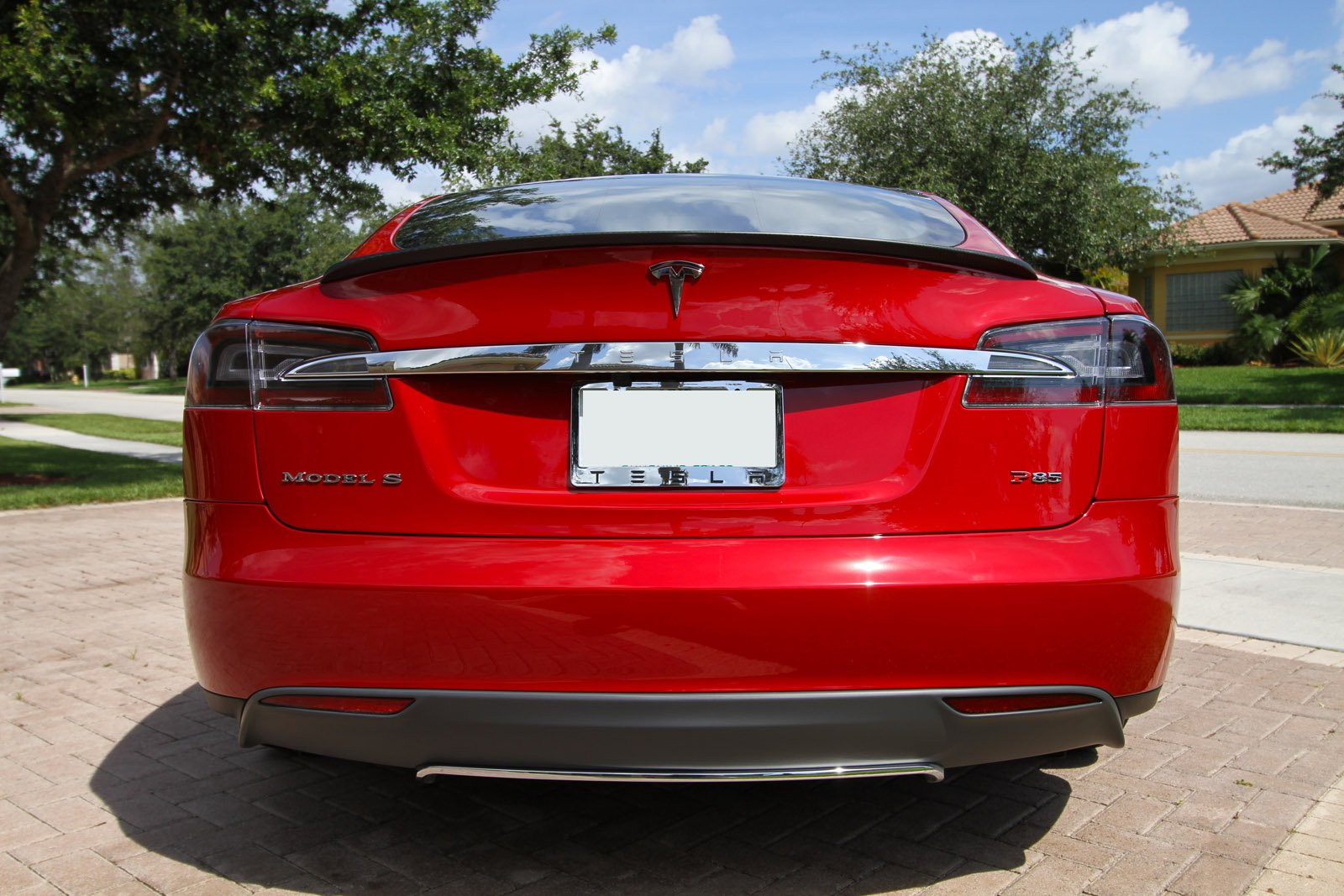 2013-tesla-model-s-p85-multi-coat-red-010.jpg