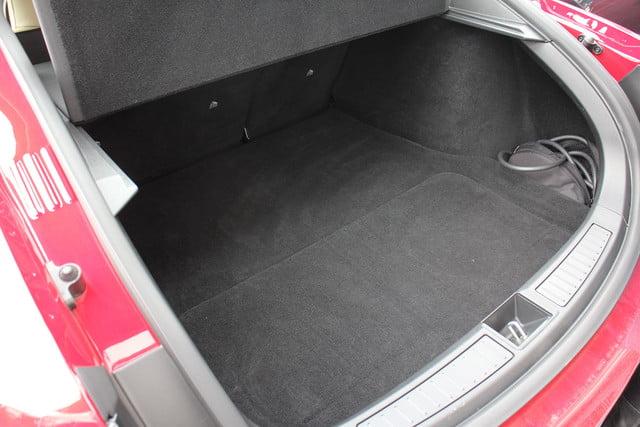 2013-Tesla-Model-S-Trunk-no uhfs.jpg