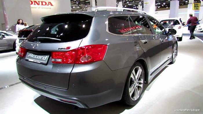 2014-honda-accord-tourer-type-s-diesel-rear-quarter-view.jpg
