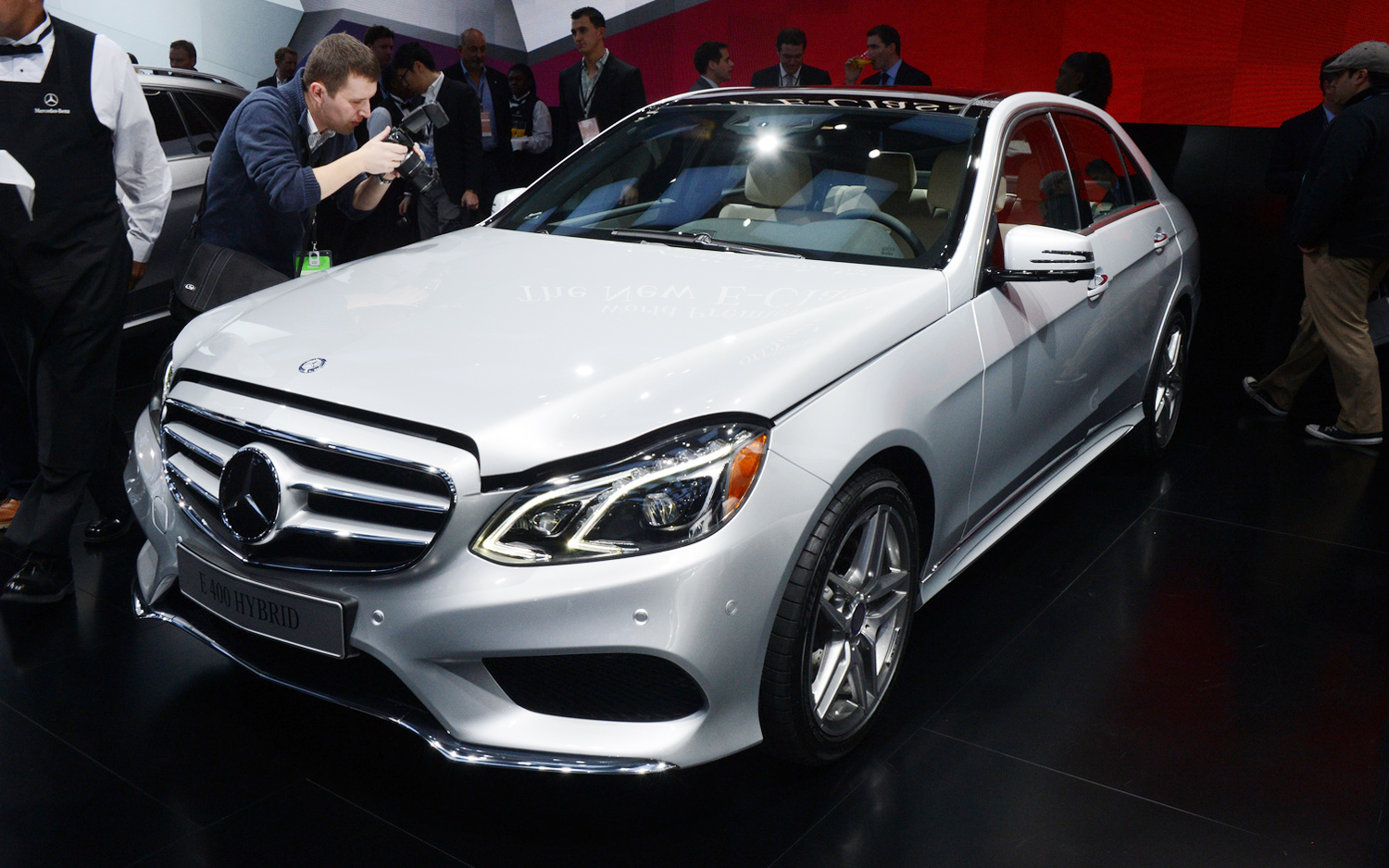 2014-Mercedes-Benz-E400-Hybrid-front-three-quarter.jpg