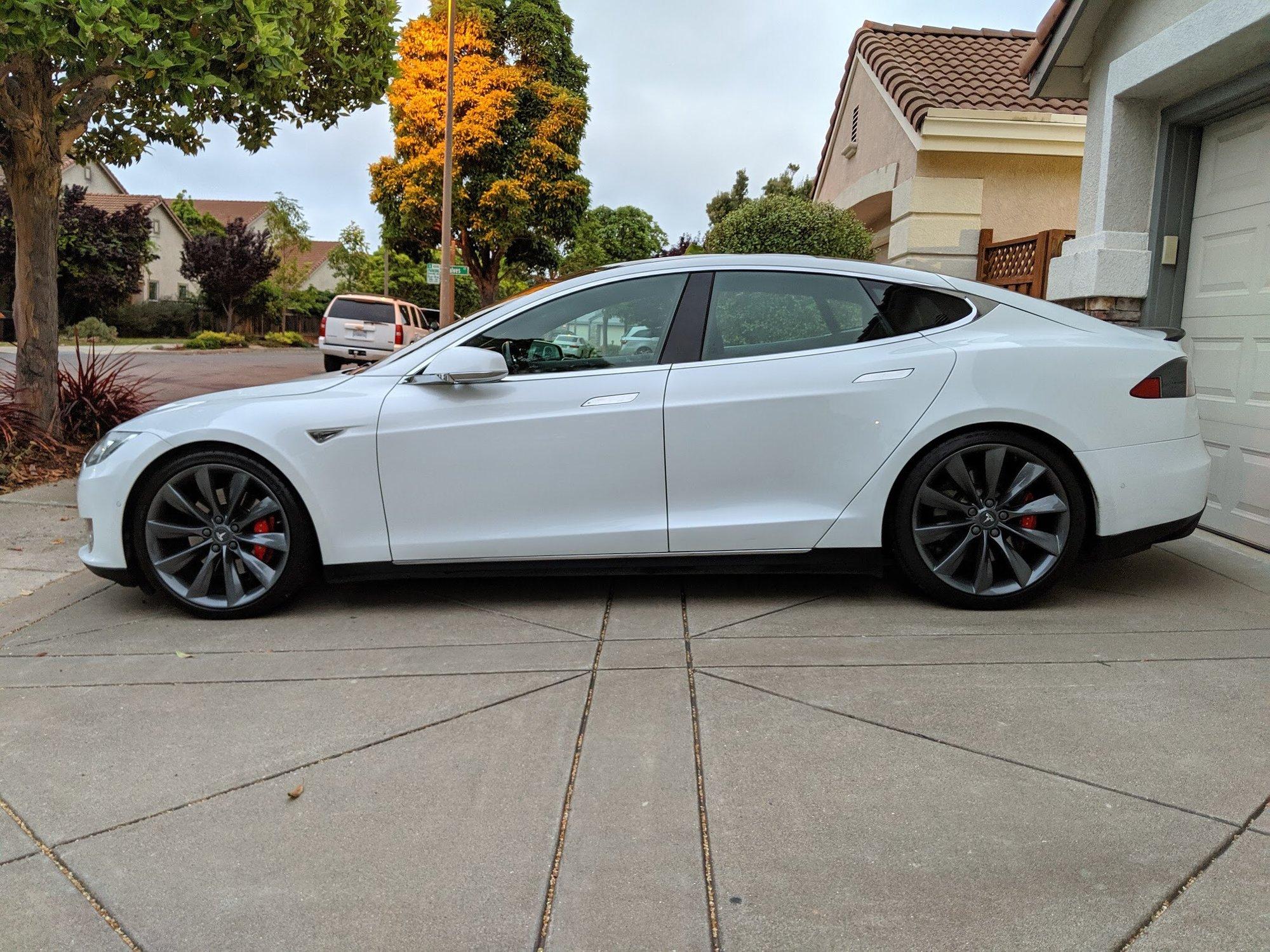 2014-Tesla.JPG