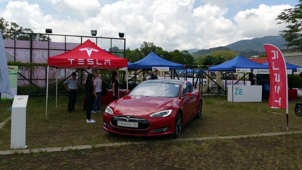 2015-06-14 HK EV show 011.jpg