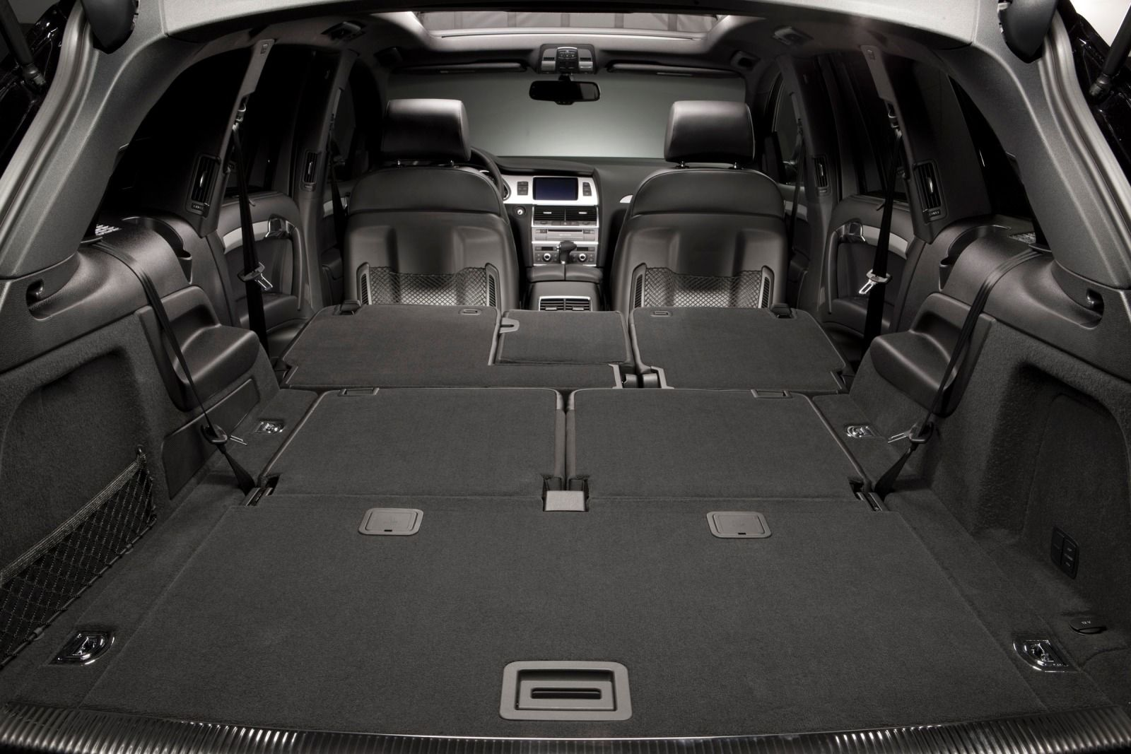 2015-Audi-Q7-Interior-Cargo.jpg