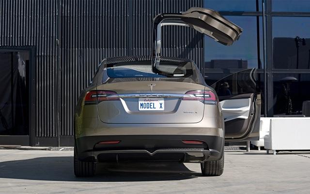2015-Tesla-Model-X-rear.jpg