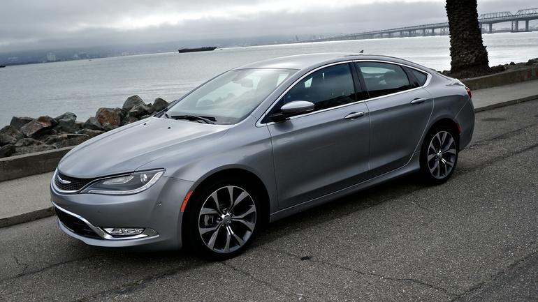 2015chrysler200c04.jpg