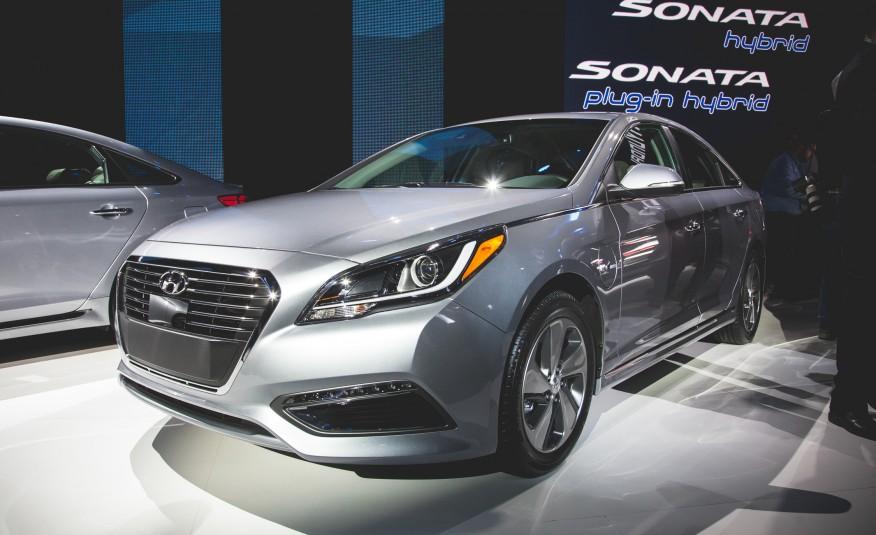2016-Hyundai-Sonata-plug-in-hybrid.jpg