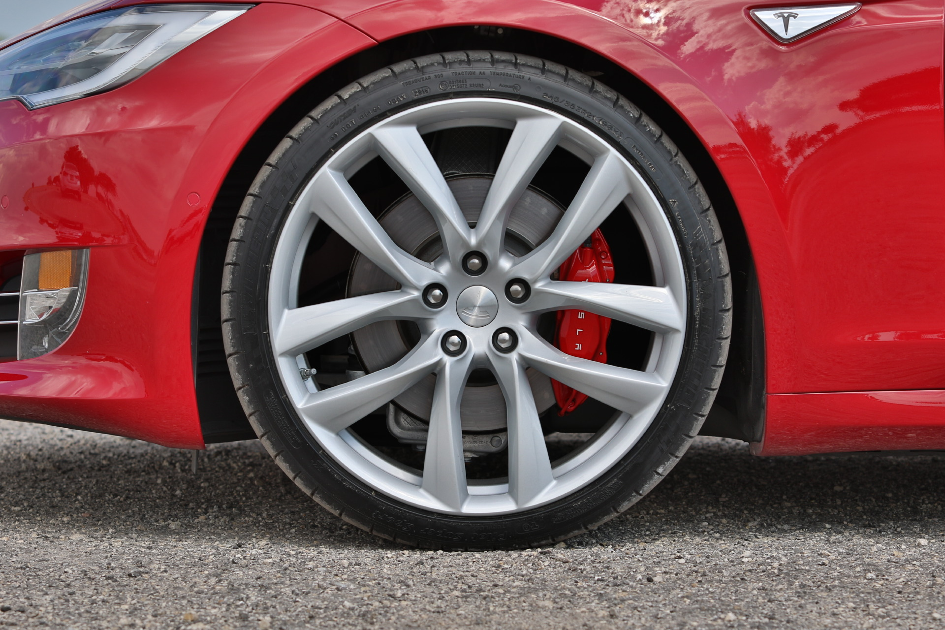 2016-Tesla-Model-S-P100D-Multi-Coat-Red-Arachnid-Wheels-016.JPG