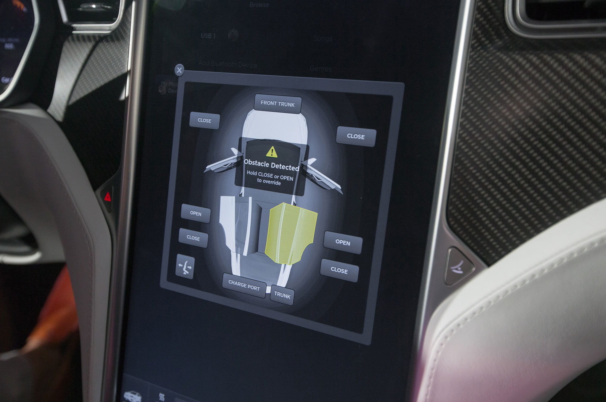 2016-tesla-model-x-interior-screen.jpg