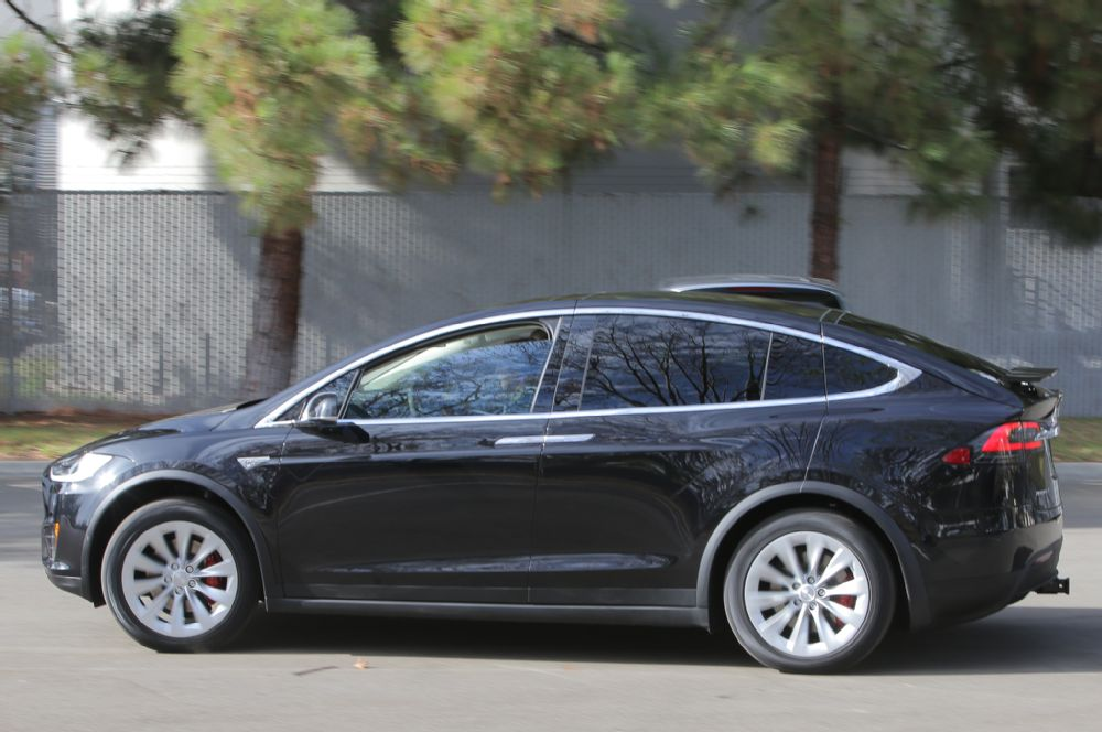 2016-tesla-model-x-profile.jpg