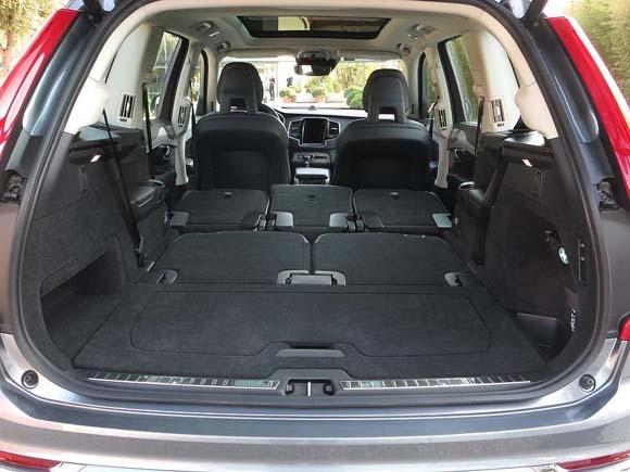 2016-volvo-xc90-t6-interior-all-seats-folded-600-001.jpg