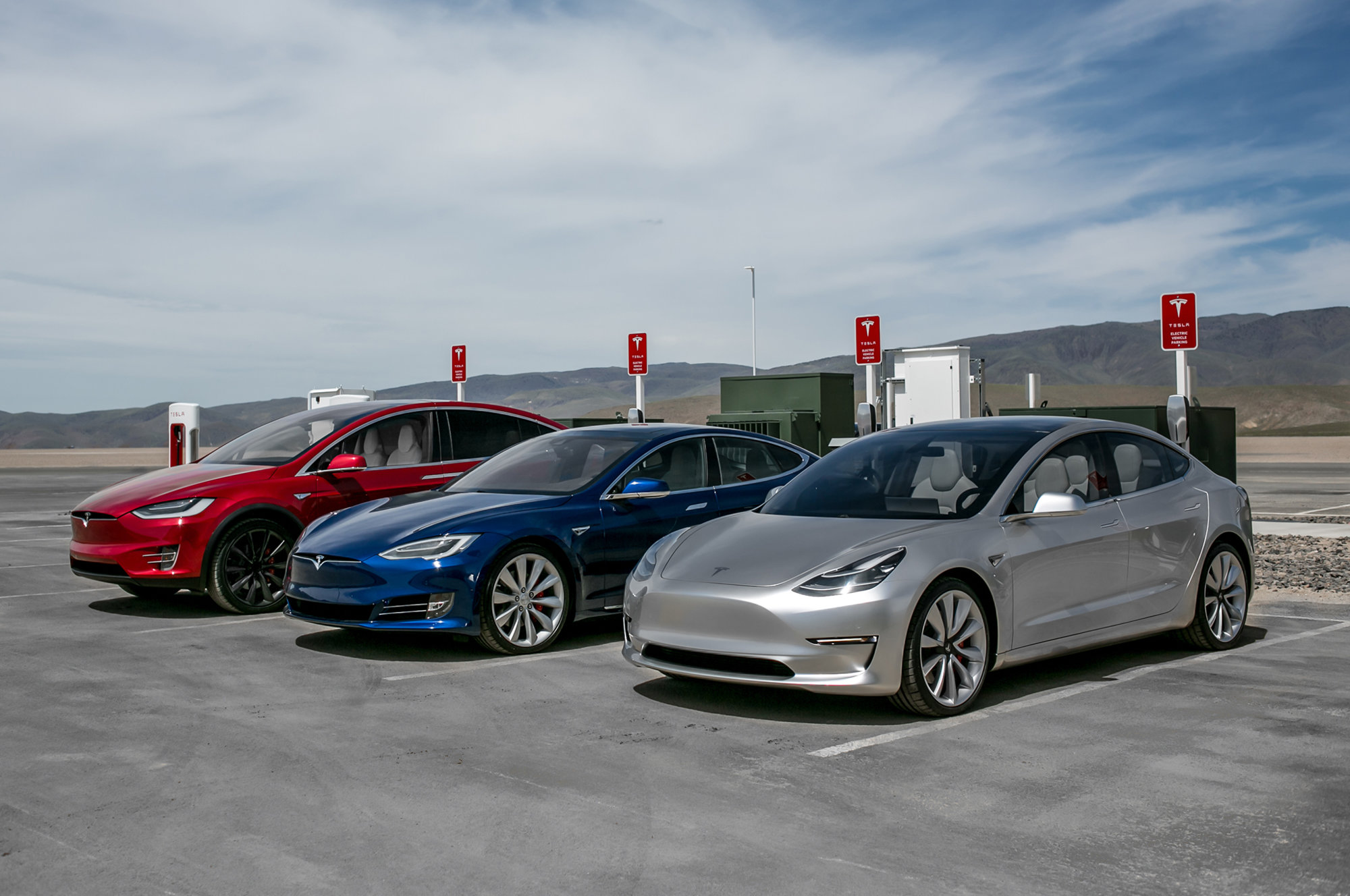 2017-Tesla-Model-3-2016-Tesla-Model-X-Tesla-Model-S-charging-stations.jpg
