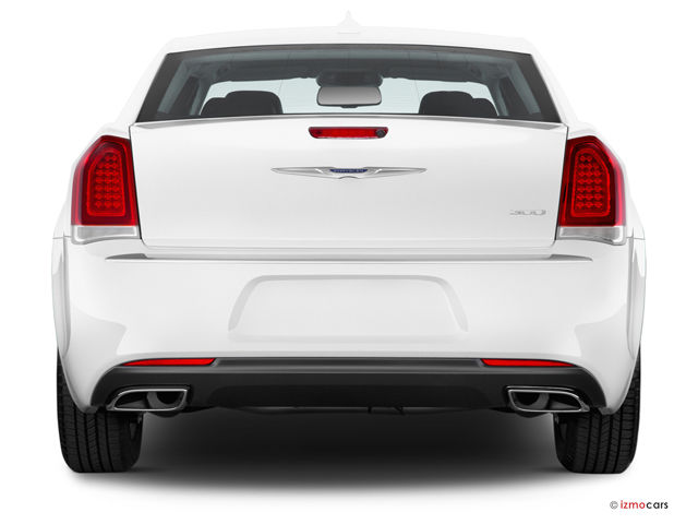 2017_chrysler_300_0_rearview.jpg