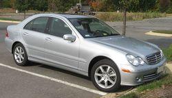 250px-06-07_Mercedes-Benz_C350.jpg