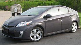 280px-2010_Toyota_Prius_V_--_04-20-2010.jpg