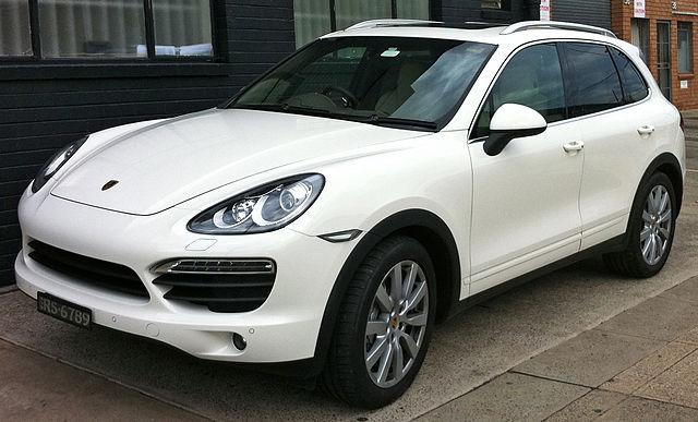 640px-2010-2011_Porsche_Cayenne_%2892A%29_S_wagon_%282011-08-03%29_01.jpg