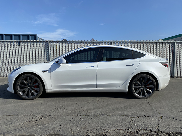 Tesla Model 3 Tint (Spectra) seen from the outside.