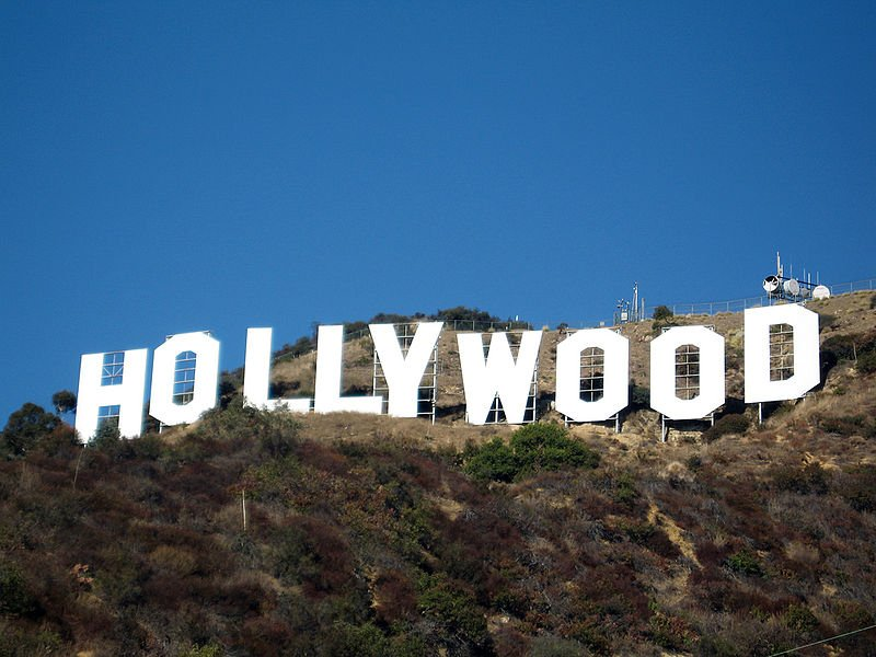 800px-Hollywood_sign_354080327.jpg
