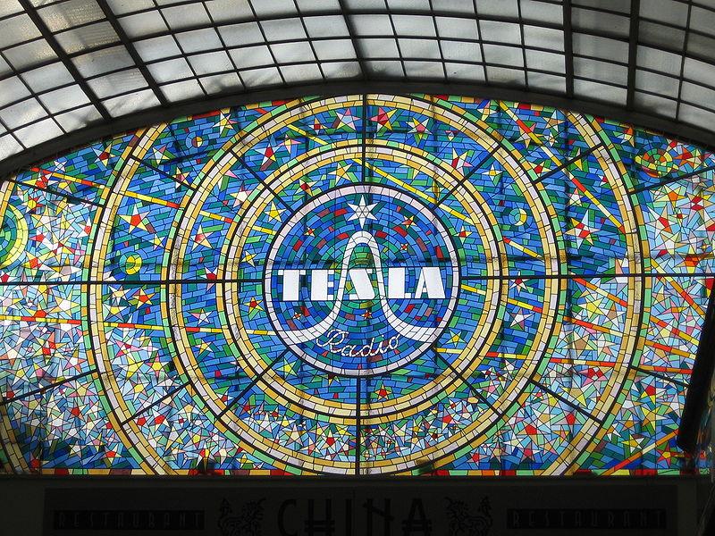 800px-Tesla_Radio_vitrage.jpg