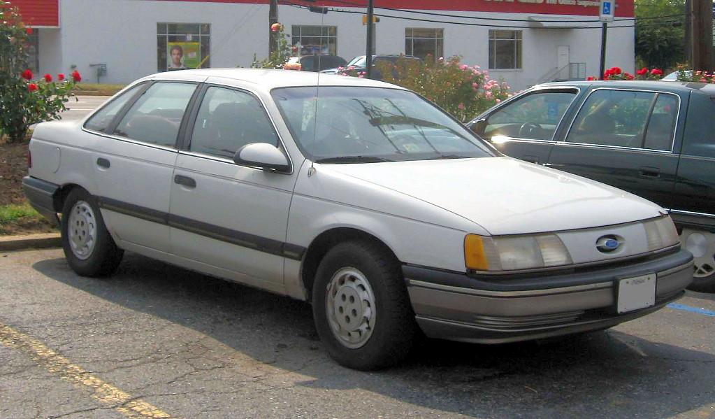 89-91_Ford_Taurus.jpg