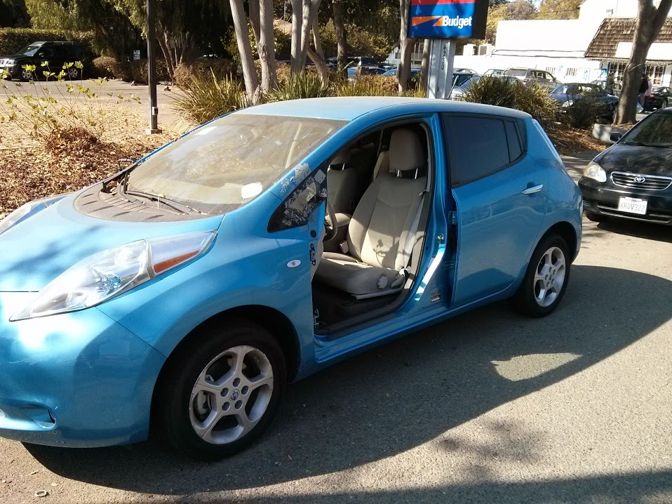 abandoned-nissan-leaf-electric-car-in-palo-alto-california-oct-2013_100444162_l.jpg