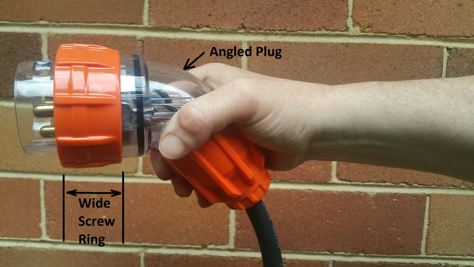 Angled 3 Phase Plug with Wide Screw Ring.jpg