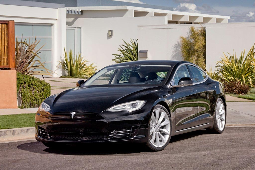 Black-Tesla-Model-S powder coated trim.jpg