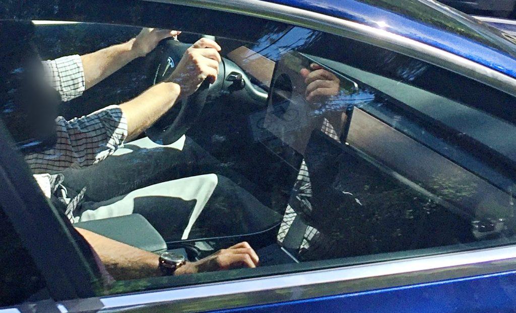 blue-model-3-interior-side-dash-closeup-04272017-teslarati-1024x622.jpg