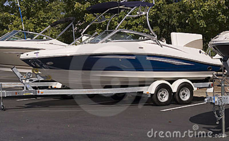 blue-white-boat-trailer-3883012.jpg