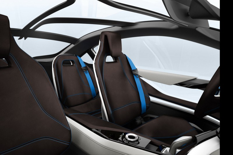 BMW-i8-Concept-Rear-Seats-800x533.jpg