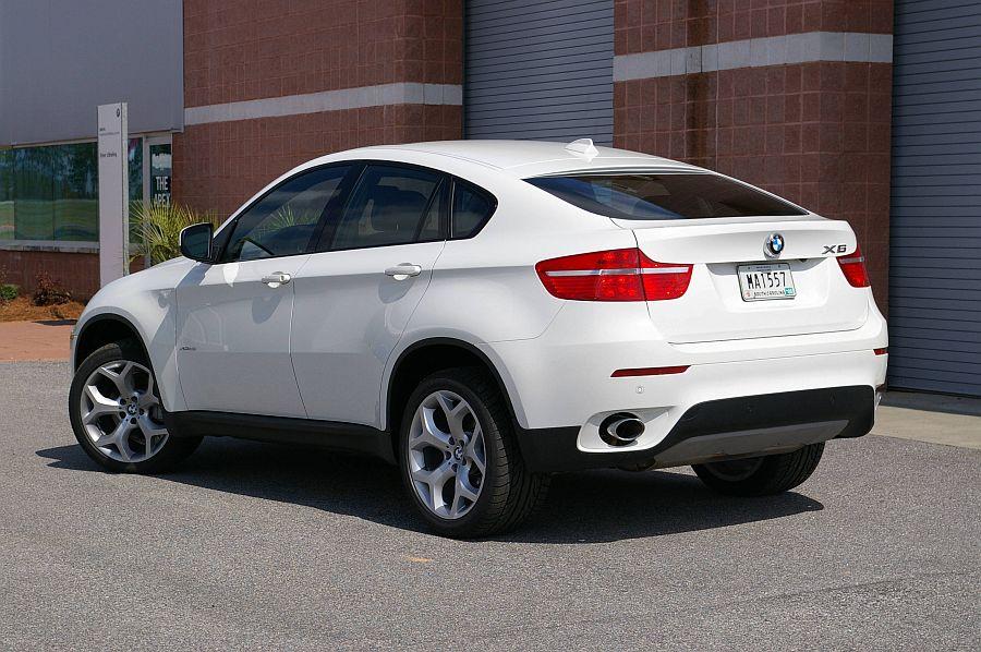 BMW-X6-White-2014.jpg