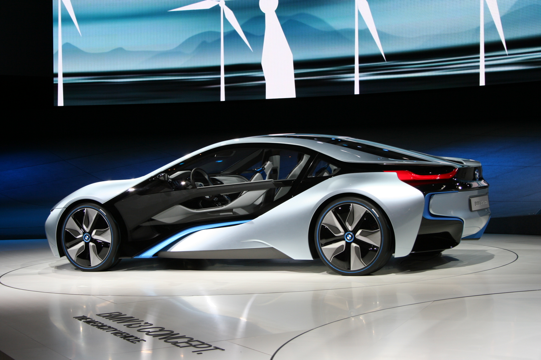 BMW_i8_Concept_IAA_side.jpg