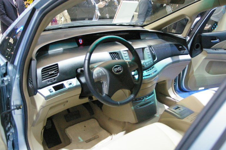 byd-e6-electric-interior-concept.jpg
