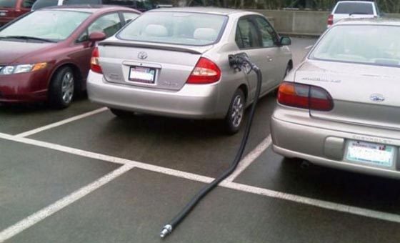 car gas hose.jpg