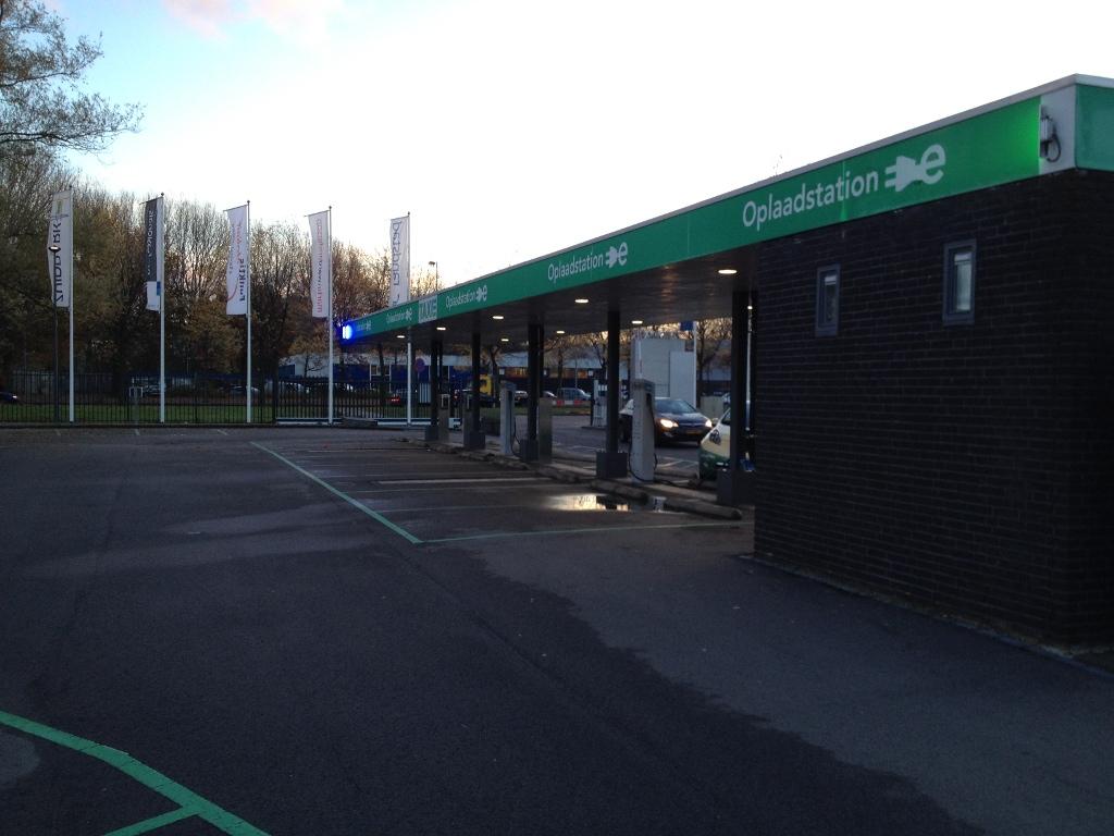 charging-zuidpark-amsterdam-2.jpg
